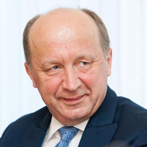 Андрюс Кубилюс, Премьер - министр Литвы в 1999-2000 и 2008-2012 гг., депутат Литовского Сейма