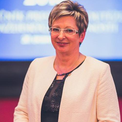 Марта Новакова, Міністр промисловості та торгівлі Чеської Республіки